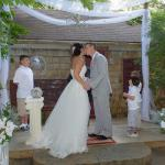 Rose Cottage garden Ceremony Niagara Falls Wedding Chapel on the Lane. www.niagaraweddingchapel.com 800.393.7270